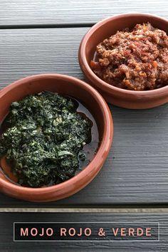 Das Rezept für den kanarischer Klassiker: kleine schrumpelige Kartoffeln mit roter und grüner Soße aus Koriander, Chilies, Knoblauch, Öl und Kreuzkümmel.