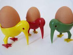 vintage stork or kiwi egg cups from Japan by planetutopia Vintage Egg Cups, Kiwi Bird, Kiwiana, Winter Flowers, Egg Art, Stork, Boiled Eggs, Pretty Art, Vintage Kitchen