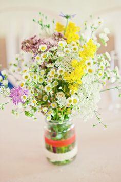 Virginie et Stéphane, mariage en HAUTE – Savoie Green Wedding, Wedding Flowers, Wedding Day, Bouquet Champetre, Wedding Theme Inspiration, Rose Trees, Just Married, Fresh Flowers, Flower Power