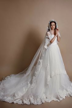 Find Inspirations For Your Own Wedding Gown With Our Enormous Wedding Dress Pictures Gallery. Make Your Own Wedding Day Momentous.