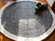 Upcycled Crochet Rug. I have made this. They r nice rugs and they last 4 ever...
