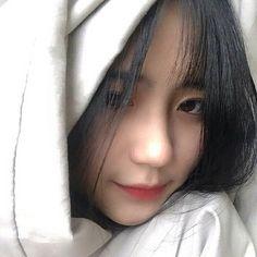 Gái xinh - hotteen - ulzzang girl 💕 Save = follow?_💕 Info = Liên hệ tớ 💕 Thuần 💕 Cute Korean Girl, Asian Cute, Asian Girl, Cute Girls, Cool Girl, Girl Korea, Perfect Selfie, Uzzlang Girl, Girl Photography Poses
