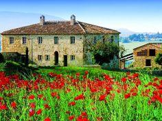 Casali di varie metrature ai confini del Chianti | Milan Sotheby's International Realty