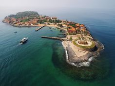Fort Nassau and Fort Orange on the Island of Gorée, 2km out of the harbor of Dakar - Senegal