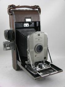 Polaroid 95 first model of the Polaroid cameras. http://auction.catawiki.com/kavels/471459-polaroid-95-eerste-model-van-de-polaroid-camera-s