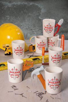 Keramické hrníčky z kolekce Builder - s rukojetí ve tvaru kleští, kladívka nebo pilky :) #hrnek #pronej #giftsforhim #mug #giftware