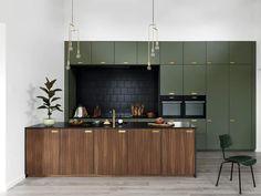 Loft Kitchen, Kitchen Showroom, Kitchen Room Design, Green Kitchen, Ikea Kitchen, Apartment Kitchen, Kitchen Interior, Oak Kitchen Cabinets, Home Kitchens