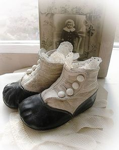Age 7-8 Edwardian Victorian Costume Accessory Looks Like Long Buttoned Boots