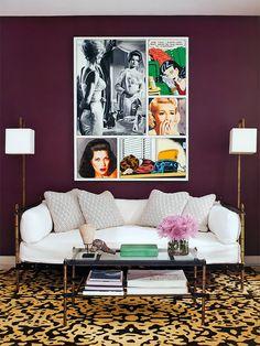 Sobre excentricidade: parede roxa e tapete animal print.