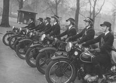 Riding Vintage article on the dispatch rider's of the Women's Royal Navy Service during WWII. History Magazine, Photo Vintage, Vintage Photos, Triumph Motorcycles, Vintage Motorcycles, British Motorcycles, Vintage Bikes, Guzzi, Steve Mcqueen