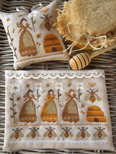 The Little Stitcher: Melissae - The Beekeepers