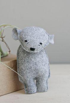 pocket bear / darcy / grey bear