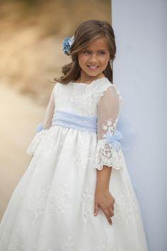 Girls White Dress, Girls Party Dress, Little Girl Dresses, Baby Dress, Nice Dresses, Flower Girl Dresses, Première Communion, Communion Dresses, Vintage Long Dress