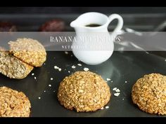 Banana Muffin Tops Vegan Banana Muffin Tops are chewy, dense and gooey. They have the perfect balance of crispness from the crust and chewiness inside – like a cross between a cookie and a muffin. Best Pasta Recipes, Top Recipes, Delicious Vegan Recipes, Baking Recipes, Yummy Food, Vegan Banana Muffins, Healthy Desserts, Healthy Breakfasts, Healthy Cooking