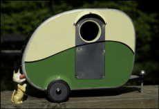 Vintage teardrop camper BIRDHOUSE! Cute!