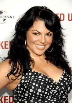 Sara Ramirez- so gorgeous Kiss Beauty, She Walks In Beauty, Hair Beauty, Sara Ramirez, Torres Grey's Anatomy, Callie Torres, Grey's Anatomy Tv Show, Great Hair, Greys Anatomy