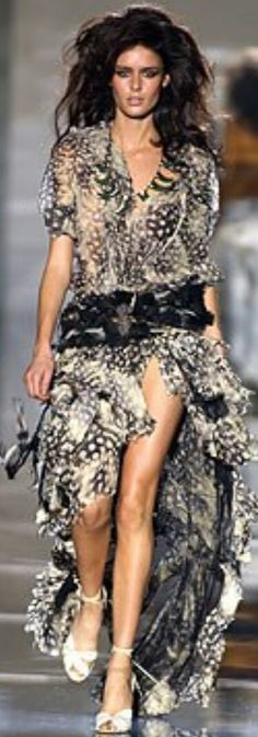 ROBERTO CAVALLI SPRING 2004 READY-TO-WEAR Roberto Cavalli, Ready To Wear, Bohemian, Animal, Spring, How To Wear, Collection, Style, Fashion