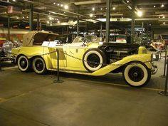 Hispano Suiza H6A Victoria Town Car de 1923 by Henry Binder en el museo Forney, Denver, Colorado, USA.