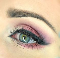 rose eye makeup with wingedliner #pretty #colorful - bellashoot.com