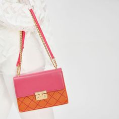 CHARLES & KEITH フロントフラッププッシュロックバッグ / FRONT FLAP PUSH-LOCK BAG (Orange)-CHARLES & KEITH公式オンラインストア Charles Keith Bag, Orange Bag, Shoulder Bag, Bags, Orange Purse, Handbags, Shoulder Bags, Bag, Totes