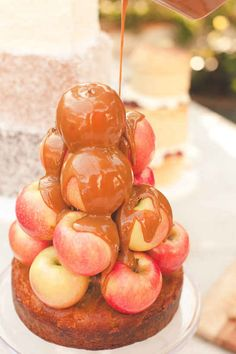 Caramel Apples. | 27 Cakes Covered In Delicious Food