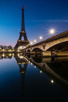 Paris, France Went May Toured France. Now, we need to go back to Paris and see more of it! Paris Torre Eiffel, Pont Paris, Paris Eiffel Tower, Montmartre Paris, Paris Travel, France Travel, Places To Travel, Places To See, Paris Tour