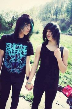 i love the suicide silence t shirt Cute Emo Couples, Scene Couples, Hot Emo Boys, Emo Guys, Lgbt, Emo People, Emo Teen, Emo Love, Emo Scene Hair