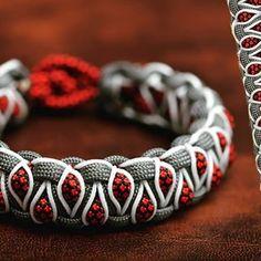 Aucune description de photo disponible. Survival Bracelets, Paracord Bracelets, Paracord Projects, Art N Craft, Everyday Carry, Shtf, Friendship Bracelets, Origami, Leather