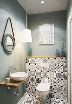 31 Design Tricks That Make Small Bathrooms Feel Much Bigger Amazing Tiny House Bathroom Shower Design Ideas To Amazing Tiny House Bathroom Shower Design Ideas To CopyJust a little space? These small bathroom Contemporary Bathroom Designs, Bathroom Design Small, Bathroom Interior Design, Modern Bathroom, Small Toilet Design, Interior Ideas, Small Toilet Room, Gallery Wall Bedroom, Scandinavian Bathroom