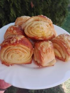 Vajdasági sós csiga - Sós sütik Pretzel Bites, Cabbage, Cooking Recipes, Keto, Bread, Cheese, Chicken, Snacks, Meals