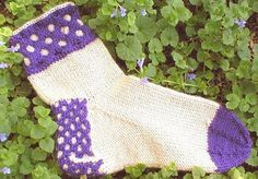 Knitting Pattern-A Touch of Honey Clog Socks by DawnBroccoDesigns $6