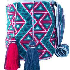 WAYUU ÇANTA YAPILIŞI DETAYLI TÜRKÇE VİDEOLU ANLATIMLI   Nazarca.com Tapestry Crochet Patterns, Crochet Motif, Crochet Lace, Diy Bags Patterns, Mochila Crochet, Tapestry Bag, Crochet Purses, Knitted Bags, Crochet Accessories