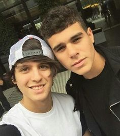 Read zabdi y chris from the story CNCO fotos💞 by LucaPatrn (❤Cncowner❤Criaturita ❤) with 272 reads. Friend Together, I Love Him, My Love, Funny Me, Boy Bands, Hot, All About Time, Best Friends, Guys