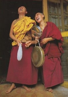 Laughter is Contagious, Tibet Just Smile, Happy Smile, Smile Face, Happy Faces, I'm Happy, Buddhist Monk, Tibetan Buddhism, We Are The World, People Around The World