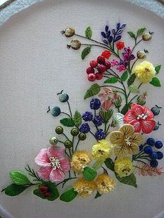 Brazilian Embroidery So beautiful . Embroidered by Kwok Wing Sum - this technique is called stumpwork. Embroidery Flowers Pattern, Hand Embroidery Stitches, Silk Ribbon Embroidery, Crewel Embroidery, Hand Embroidery Designs, Embroidery Techniques, Embroidered Flowers, Machine Embroidery, Cross Stitch Embroidery