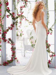 Bruidsjurk elegant model van chiffon met lage rug en bandjes