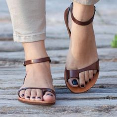 Brown Leather Sandals, Black Leather Shoes, Brown Sandals, Leather Ankle Boots, Thick Leather, Flat Sandals, Gladiator Sandals, Shoes Flats Sandals, Brown Flats