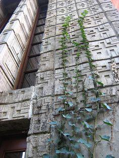 Millard House - Pasadena - Frank Lloyd Wright