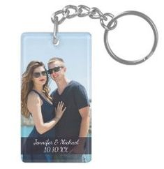 Celebrate your love with our photo name and date keychain. Personalize with your own photo and customize with your own date and create a keepsake you are sure to treasure for years to come. #keychaindiyeasy #easydiykeychains #diykeychainforkids #diykeychaineasy #keychain #dyikeychain #coolkeychains