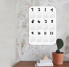 数字がデザイン化されているカレンダーなら一年分のものでも圧迫感を感じませんね。シンプルなだけにどんなインテリアにも合わせやすそう。
