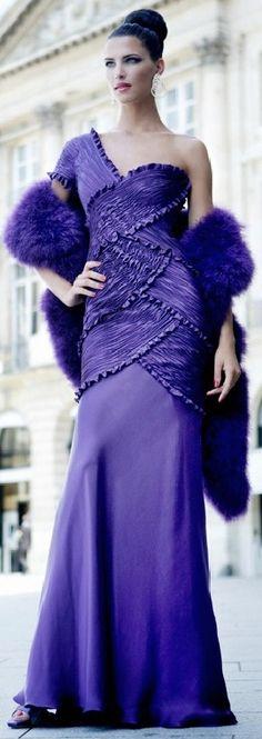 ru_glamour: Haute Couture by Mario Sierra. Purple Love, All Things Purple, Shades Of Purple, Purple Dress, Purple Rain, Elie Saab, Beautiful Gowns, Beautiful Outfits, Glamour