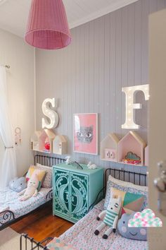 Antique beds and modern furnishings in a child's room for two room decor Girl Bedroom Designs, Girls Bedroom, Bedroom Ideas, Sibling Bedroom, Trendy Bedroom, Deco Kids, Little Girl Rooms, Kid Spaces, Room Decor