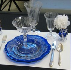 cambridge-glass-candlelight and cobalt depression glass Pink And Green, Blue And White, Vaseline Glass, White Dishes, Vintage Glassware, Fine China, Just Giving, Housekeeping, Punch Bowls