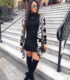 Macaquinho preto/ cardigan preto e branco estilo/ bota over