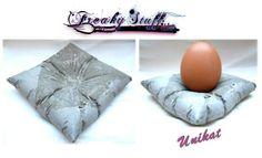 Schmuckschale Eierbecher Beton Kissen Unikat 4# von Freaky-Stuff-Shop auf DaWanda.com