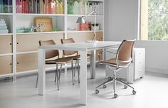 Deneb design table with Gas chairs from Stua and Tolomeo light from Artemide