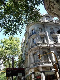 Avenida de Mayo y Salta- Argentina
