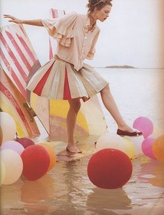 Balloons Tim Walker - #editorial #fashion curated by #pepevillaverde @pepevillaverde