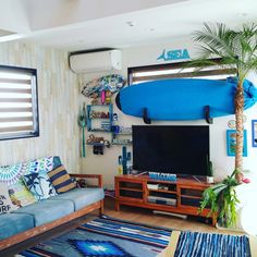 ya-さんの、リビング,サボテン,夏,サーフボード,海,surf,コウモリラン,sea,surfer's room,カリフォルニアスタイル,海を感じたい,BEACH♥︎,サーフテイストが好き♡,やっぱり青が好き,海が好き,西海岸インテリアにしたい‼,ビーチハウス風,いつもいいねやコメありがとうございます♡,BEACH STYLE,beach house,いつもいいね!ありがとうございます♪,RELAX,サーファーズハウス,ロンハーマンが好き,だけどハワイも好き!,年中夏宣言,wtw大好き,サーフボードのある部屋,N.D.E.G,のお部屋写真