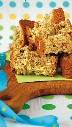 ongeveer 60 stukkies 1,5 kg (9 k) bruismeel 7,5 ml (1½ t) koeksoda 7,5 ml (1½ t) sout 750 ml (3 k) muesli 375 ml (1½ k) suiker 500 ml (2 k) karringmelk 250 ml (1 k) natuurlike jogurt 3 eiers 500 g (1 blok) botter, gesmelt Stel oond op 180 °C. 1. Sif meel, koeksoda en sout. 2. Roer muesli en suiker by tot goed gemeng. 3. Klits karringmelk, jogurt en eiers goed. 4. Roer gesmelte botter tot glad en voeg by karringmelkmengsel. Meng goed. 5. Voeg karringmelkmengsel by meelmengsel en meng goed met… Baking Recipes, Cake Recipes, Dessert Recipes, Rusk Recipe, Recipe Box, Muesli Recipe, Best Potato Recipes, Baking Muffins, Sweet Desserts